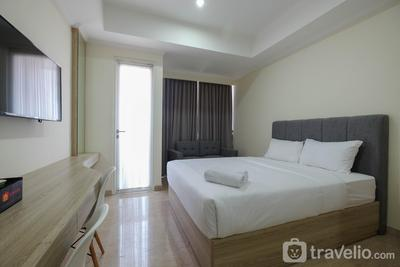 Simply Furnished Studio @ Menteng Park Apartment By Travelio