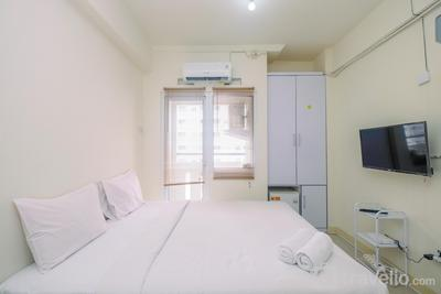 Cozy Studio with Direct Access to Mall at Green Pramuka Apartment By Travelio