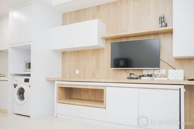 1BR Modern and Spacious at Skandinavia Apartment By Travelio