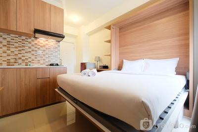 Modern Studio at Green Pramuka City Apartment near to Shopping Center By Travelio
