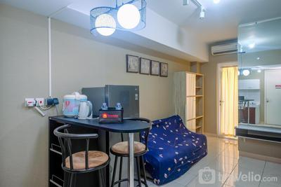 New Furnished and Cozy Stay @ 2BR Springlake Bekasi Apartment By Travelio