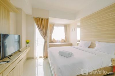 Warm and Homey Studio at The Oasis Cikarang Apartment By Travelio