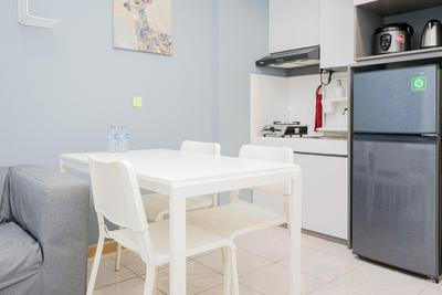 Comfort 2BR Apartment at M-Town Residence near Summarecon Mall By Travelio