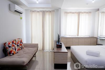 Close to Pool Studio Apartment Sky Terrace at Daan Mogot Baru By Travelio