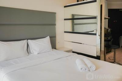 Convenient Studio Mangga Dua Apartment By Travelio