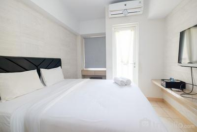 Deluxe Studio Apartment @ Springlake Summarecon By Travelio