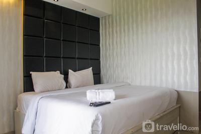 Minimalist Studio Apartment at Atria Residences with Pool View By Travelio