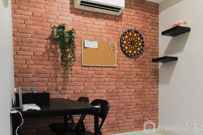 Cozy 1BR Apartment at The Mansion Kemayoran By Travelio