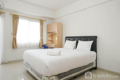 Minimalist Studio Park View Condominium Apartment near Mall By Travelio
