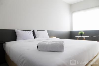 Comfy Studio Room @ Oasis Apartment By Travelio