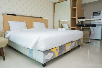 Luxurious Studio Room at Tamansari La Grande Apartment By Travelio