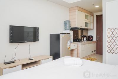 Comfy Studio with Minimalist Design Parkland Avenue Apartment By Travelio