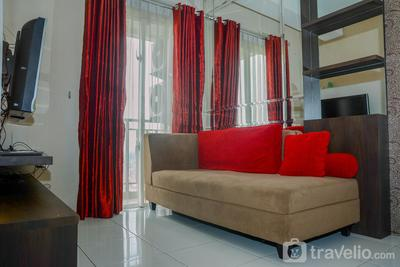 Comfortable 2BR Signature Park Tebet Apartment By Travelio