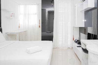 Strategic Studio Apartment at Tuscany Residence By Travelio