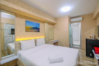 Elegant Studio (No Kitchen) Apartment at Green Bay Pluit By Travelio