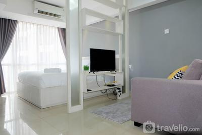 Furnished Studio Apartment at H Residence By Travelio