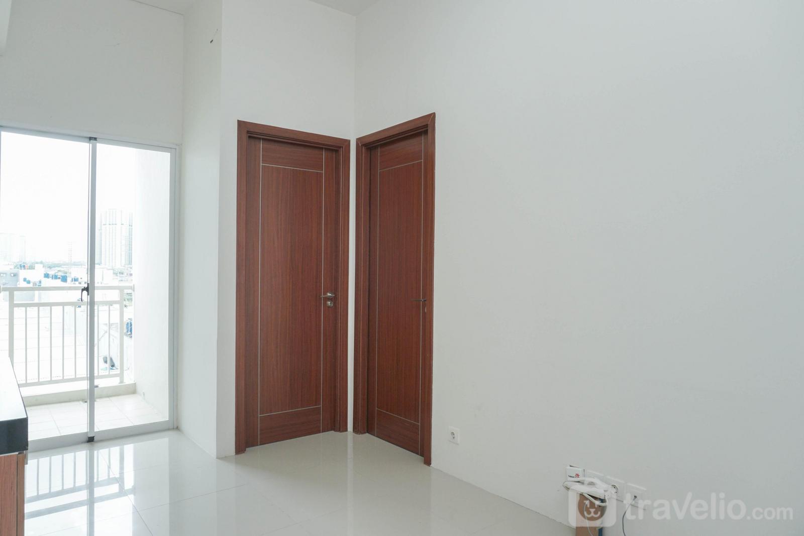 Apartemen Vittoria Residence - 2BR Unfurnished Apartment Vittoria Residence with AC & Kitchen Set By Travelio