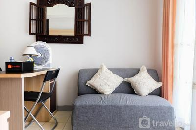 Spacious 1BR Apartment at Serpong Greenview By Travelio