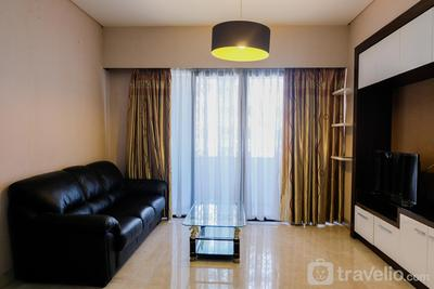 Homey and Relaxing 2BR @ Kondominium Golf Karawaci Apartment By Travelio