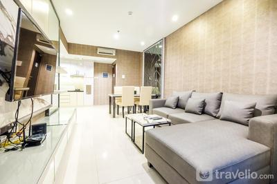 2BR Broad Lexington Residence near Pondok Indah By Travelio