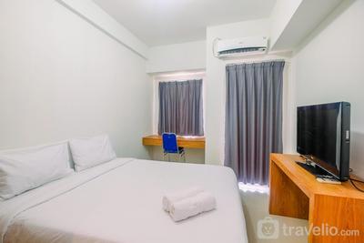 Simply Look Studio Tamansari Mahogany Karawang Apartment By Travelio