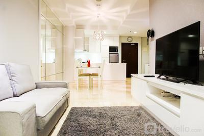 Minimalist New Furnish 2BR L'avenue Apartment near Tebet By Travelio
