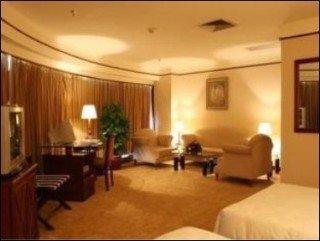 Royalty Hotel