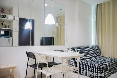 Cozy Living 1BR at Brooklyn Alam Sutera Apartment By Travelio