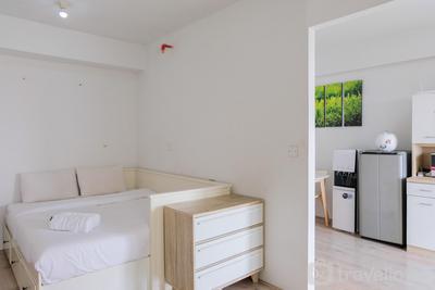 Cozy and Elegant Studio Bintaro Park View Apartment By Travelio