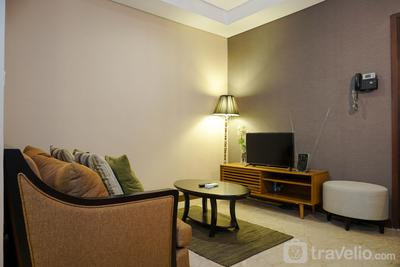 Luxurious 1BR @ L'Avenue Apartment near Sampoerna Universitas By Travelio