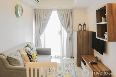 Comfortable 2BR Apartment at H Residence By Travelio