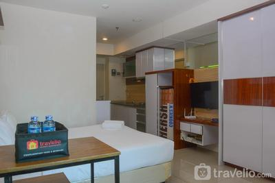 Cozy and Relax Studio at Grand Kamala Lagoon Apartment By Travelio