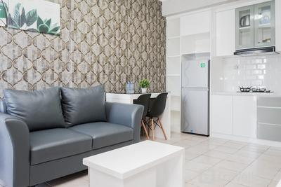 Comfy 2BR High Floor Apartment at Mediterania Palace Residences By Travelio
