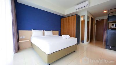 Best Price Studio at Green Kosambi Apartment near Braga By Travelio
