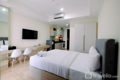 Cozy Studio Menteng Park Apartment By Travelio