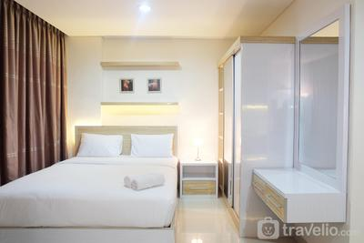 Great Location Brooklyn Alam Sutera Studio Apartment By Travelio