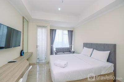 Warm and Cozy Studio Room at Menteng Park Apartment By Travelio