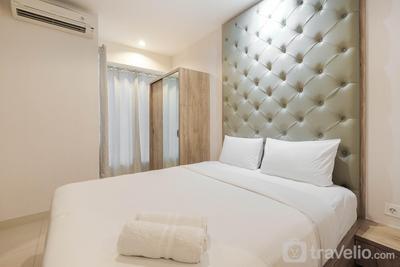 Minimalist and Homey Studio Grand Kamala Lagoon Apartment By Travelio