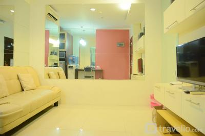 1BR Apartment with City View @ Cosmo Mansion By Travelio