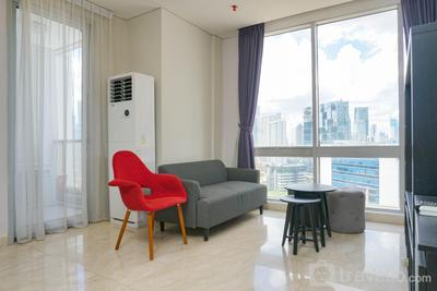 Modern and Stylish 2BR at The Empyreal Apartment By Travelio