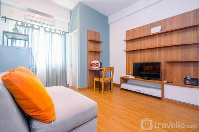 Modern Furnished @ 1BR Margonda Residence 1 Apartment By Travelio