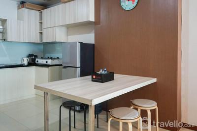 Sea View 2BR Apartment at Green Bay Condominium By Travelio