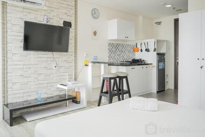 Chic and Spacious Studio at Bintaro Icon Apartment By Travelio