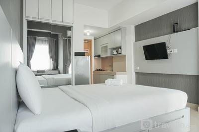 Nice and Comfort Studio The Nest Apartment By Travelio