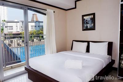 1BR City View Apartment at Cosmo Mansion By Travelio