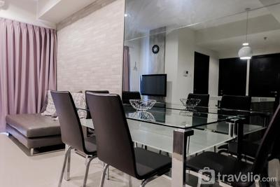 Bright 2BR Apartment at Paramount Skyline By Travelio