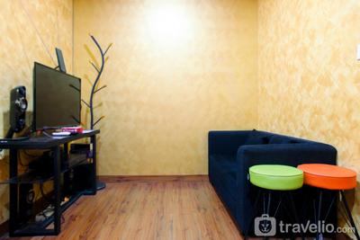 Comfortable 2 Bedrooms @ Titanium Square Apartment By Travelio