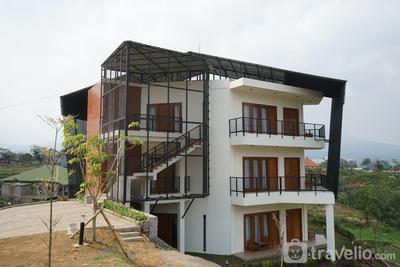 4BR Villa Insani Syariah 99C Lantai Dua