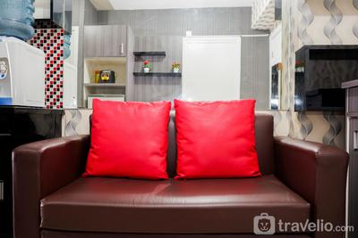 Comfy and Clean 2BR Green Pramuka Apartment By Travelio
