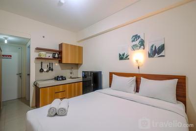 Comfy Studio at Bogorienze Apartment near The Jungle Waterpark By Travelio